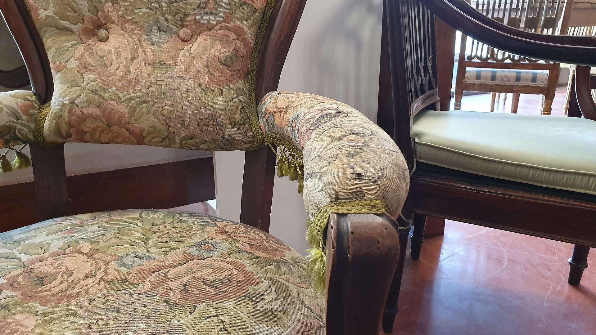 Divano E Poltrone Luigi Filippo coppia di poltrone luigi filippo | divano antico, poltrona
